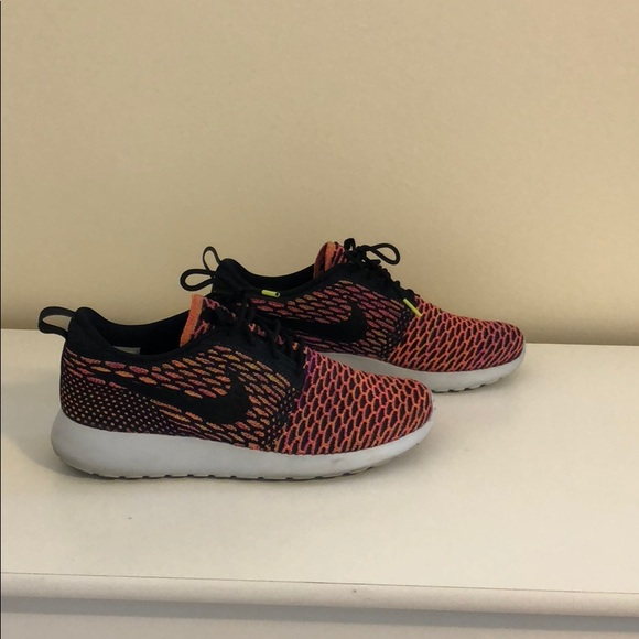 gently used women's Nike Roshe multi colored shoe